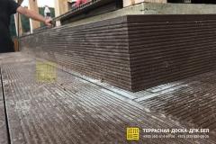 Montazh-terrasnoj-doski-Ratomka-8-min